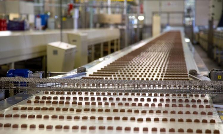 Конвейер кондитерского завода