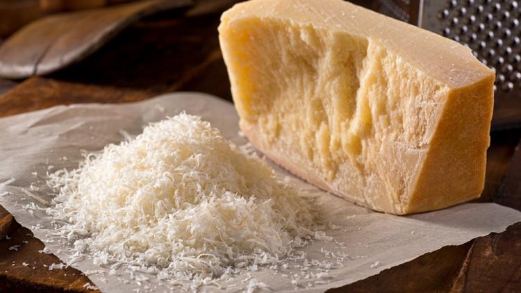 Пармезан – самый популярный сыр